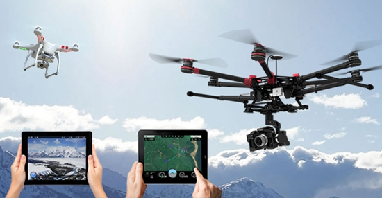 一、无人机专业简介 培养目标   系统掌握无人机专业驾驶知识及专业技能,同时掌握一定的制造、维修、航拍、航摄、数据处理、产品营销等相关专业的知识和技能,具备从事无人机驾驶员及机械师、技术员、营销员或其它辅助工作岗位的高素质技能型人才。 就业方向(岗位)   在无人机企业和无人机使用行业(国土、测绘、规划、建设局、设计院、大专院校、科研单位;旅游、农业、电力、水利、交通、环保、监控、广告公司、企事业单位、电影制片公司、电视剧制片公司;数字城市、电子地图、GIS应用、实景三维、测试企业、物流企业;部队、公安