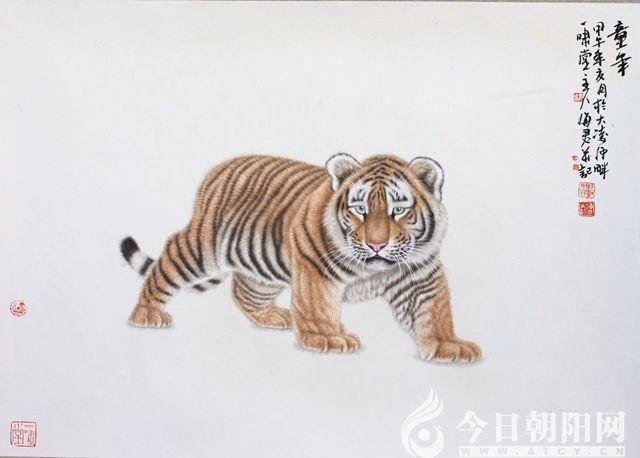 老虎的肌肉和骨骼表现的真实生动,肢体曲凹突兀处,隐显虎之骨骼,展现