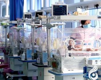 一根静脉导管挽救900克早产儿生命(瑞雪 立军)