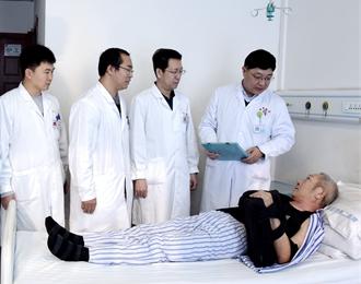 精细化治疗,龙8娱乐手机版市第二医院关节显微外科开展多例肩关节镜下肩袖修补术
