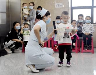 缤纷儿童节,朝阳市第二医院为住院患儿送祝福!